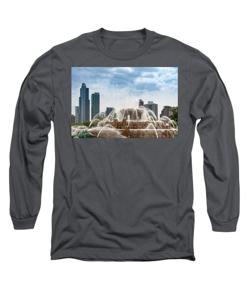 Buckingham Fountain In Chicago Long Sleeve T-Shirt