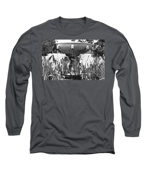 Bw Fountain At The Getty Villa Long Sleeve T-Shirt