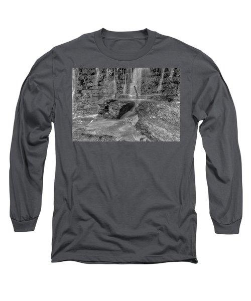 Bw Rock Wall Waterfall Long Sleeve T-Shirt