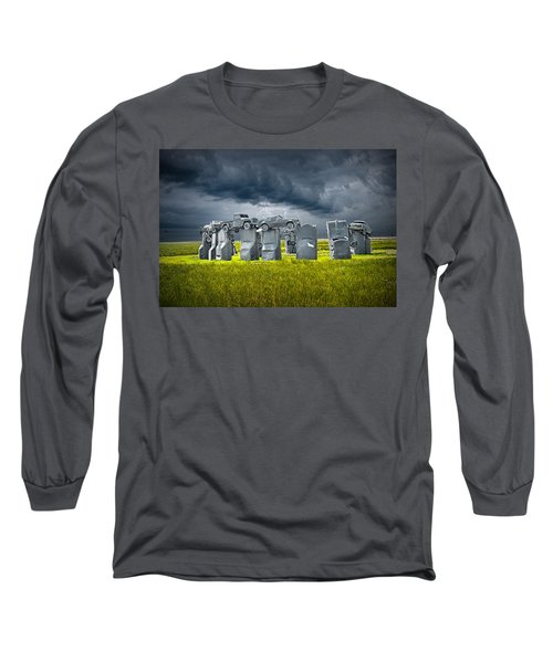 Car Henge In Alliance Nebraska After England's Stonehenge Long Sleeve T-Shirt