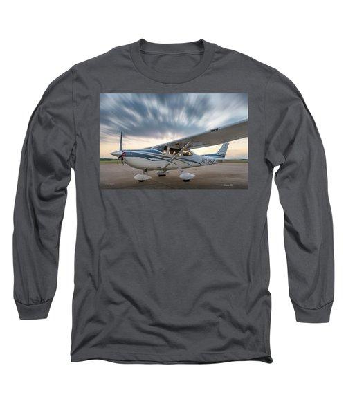 Cessna 182 On The Ramp Long Sleeve T-Shirt