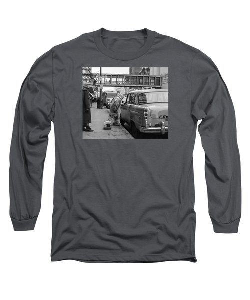 Chatting Up A Cabby On 7th Street Long Sleeve T-Shirt