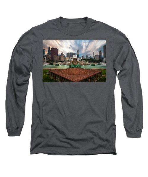 Chicago's Buckingham Fountain Long Sleeve T-Shirt