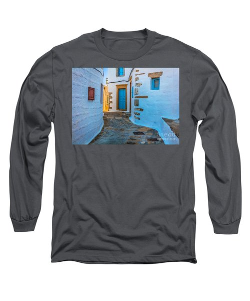 Chora Alley Long Sleeve T-Shirt