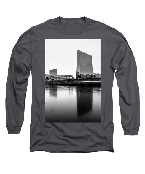 Cira Centre - Philadelphia Urban Photography Long Sleeve T-Shirt