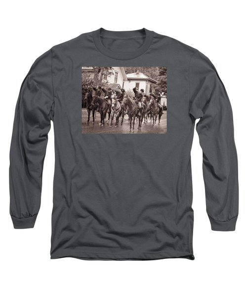 Civil War Soldiers On Horses Long Sleeve T-Shirt by Rena Trepanier