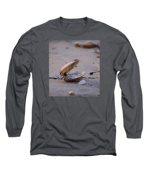 Clam I Long Sleeve T-Shirt by  Newwwman