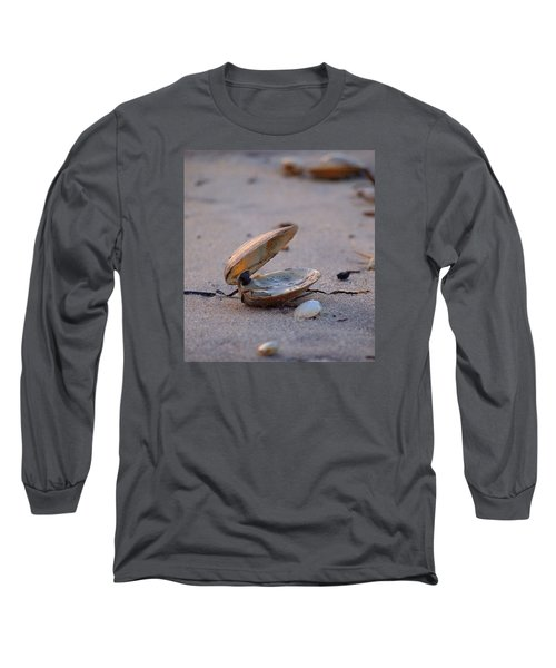 Clam I Long Sleeve T-Shirt