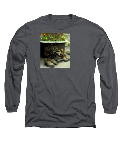 Long Sleeve T-Shirt featuring the photograph Country Day Spa by Kandy Hurley