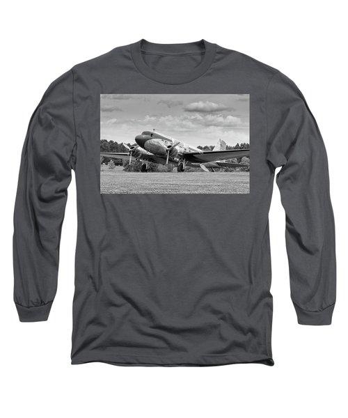 Dc-3 On Grass Long Sleeve T-Shirt