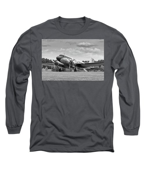 Dc-3 On Grass Long Sleeve T-Shirt