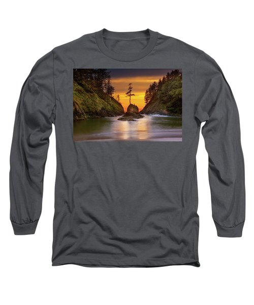 Deadman's Cove At Cape Disappointment State Park Long Sleeve T-Shirt