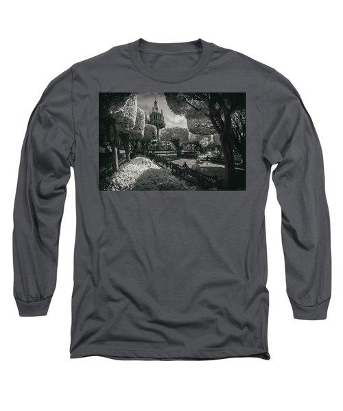 el Jardin Long Sleeve T-Shirt
