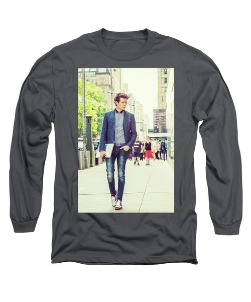 European College Student Studying In New York Long Sleeve T-Shirt