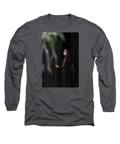 Expectant Long Sleeve T-Shirt