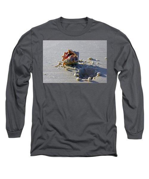Fighting Conch On The Beach Long Sleeve T-Shirt