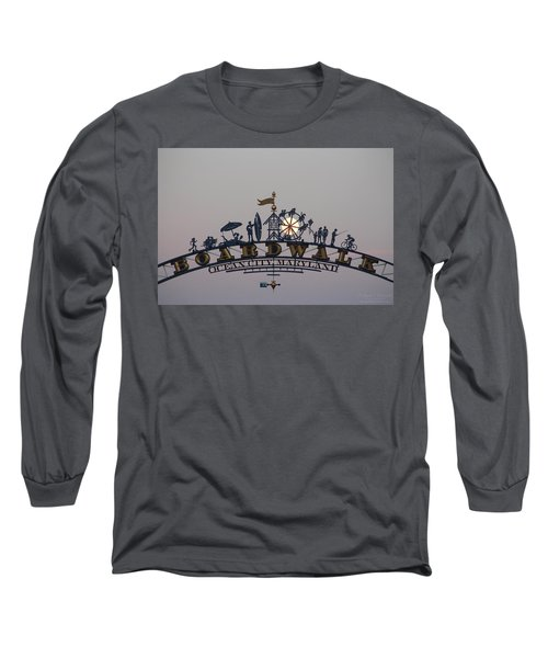 Full Moon In The Boardwalk Arch Ferris Wheel Long Sleeve T-Shirt