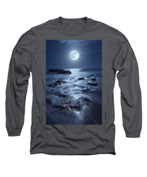 Full Moon Rising Over Coral Cove Beach In Jupiter, Florida Long Sleeve T-Shirt by Justin Kelefas