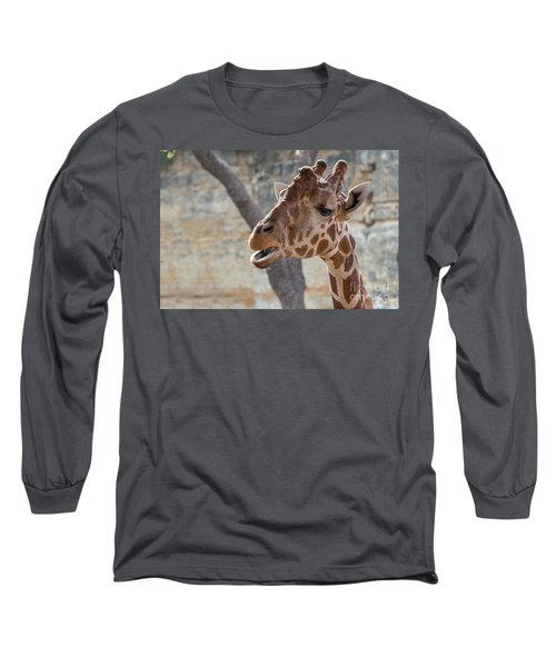 Girafe Head About To Grab Food Long Sleeve T-Shirt