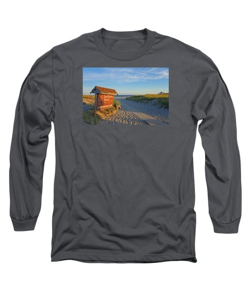 Good Harbor Sign At Sunset Long Sleeve T-Shirt