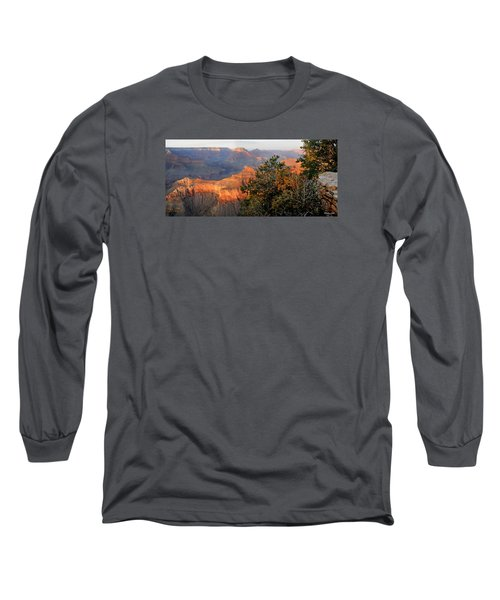 Grand Canyon South Rim - Red Berry Bush Along Path Long Sleeve T-Shirt