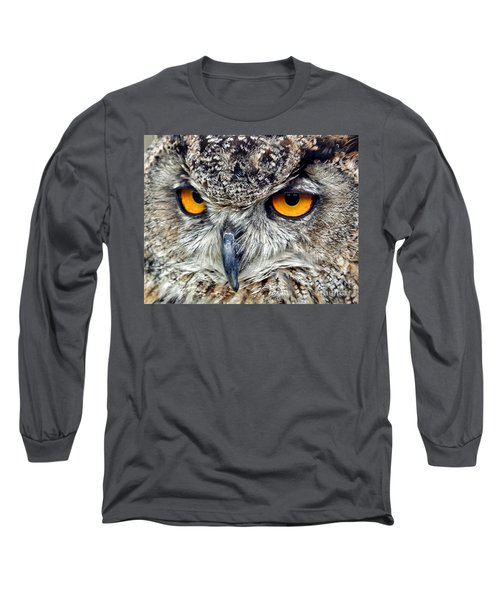 Great Horned Owl Closeup Long Sleeve T-Shirt