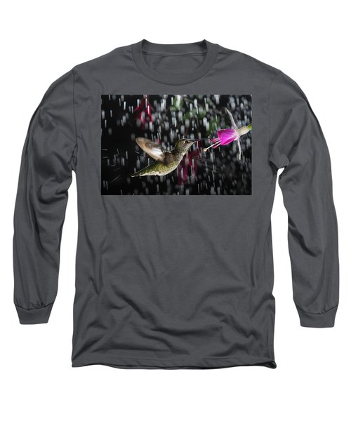 Hummingbird Hovering In Rain With Splash Long Sleeve T-Shirt