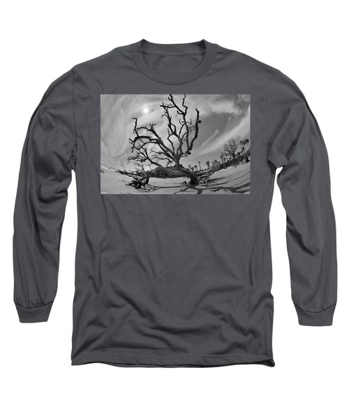 Hunting Island Beach And Driftwood Beaufort Sc Black And White Long Sleeve T-Shirt