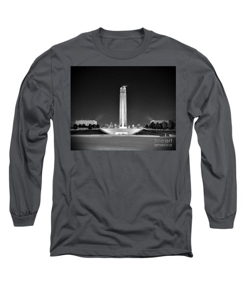 Liberty Memorial In Kansas City Bw Long Sleeve T-Shirt