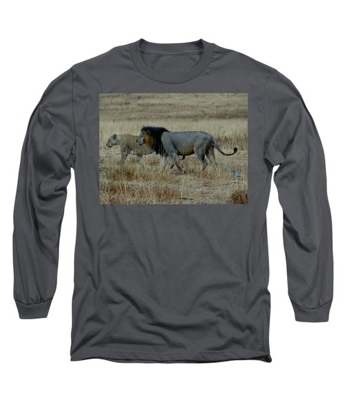 Lion And Pregnant Lioness Walking Long Sleeve T-Shirt