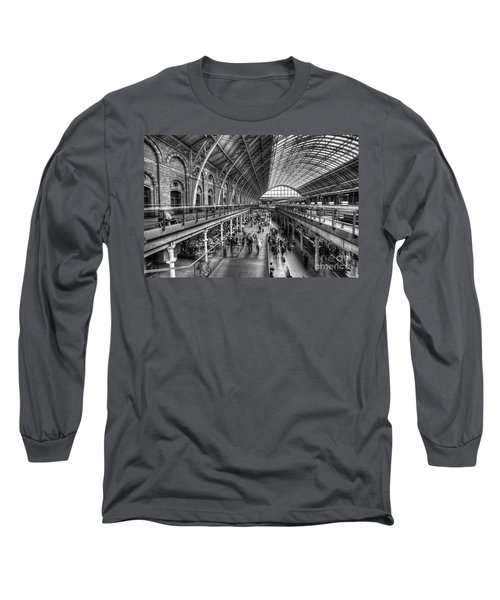 London St Pancras Station Bw Long Sleeve T-Shirt