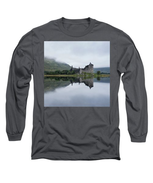 Low Mist At Kilchurn Long Sleeve T-Shirt