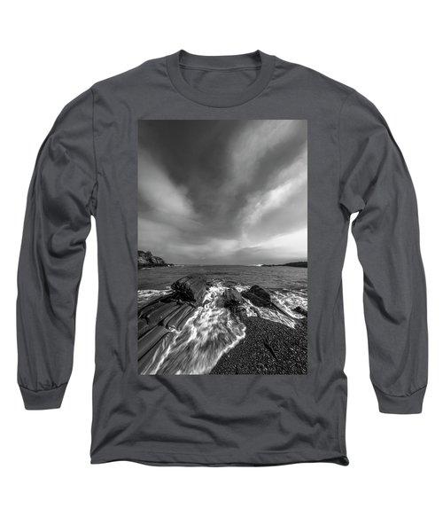 Maine Storm Clouds And Crashing Waves On Rocky Coast Long Sleeve T-Shirt