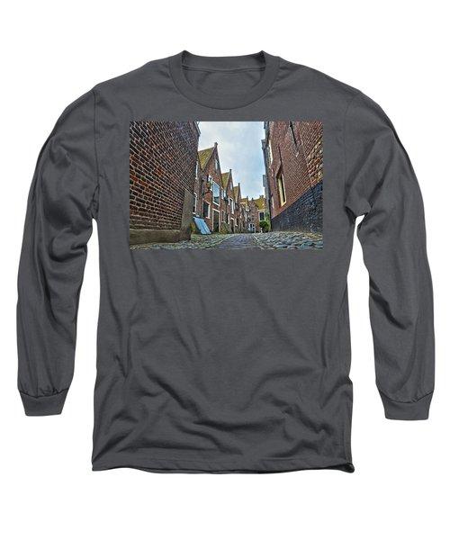 Middelburg Alley Long Sleeve T-Shirt