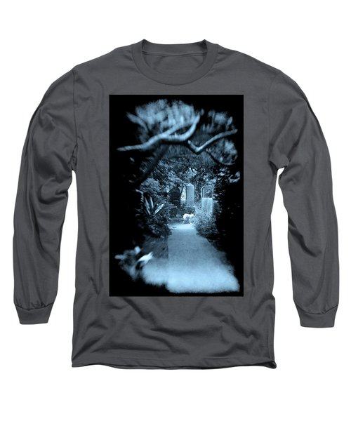 Midnight In The Garden O Long Sleeve T-Shirt