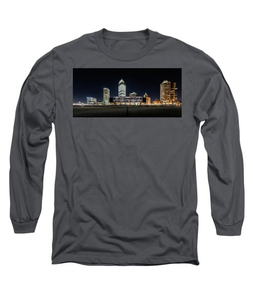 Long Sleeve T-Shirt featuring the photograph Milwaukee County War Memorial Center by Randy Scherkenbach