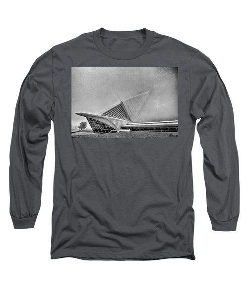 Long Sleeve T-Shirt featuring the photograph Milwaukee Museum Of Art Special 2 by David Haskett