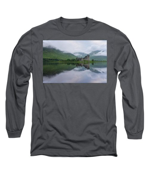 Mist Swarms Around Kilchurn Castle Long Sleeve T-Shirt