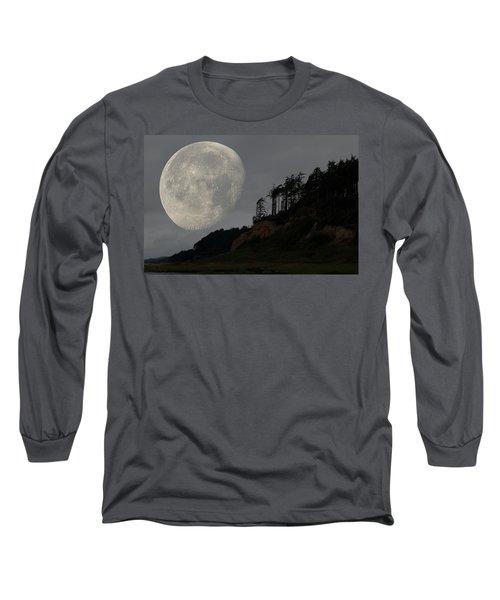 Moon At Roosevelt Beach Wa Long Sleeve T-Shirt