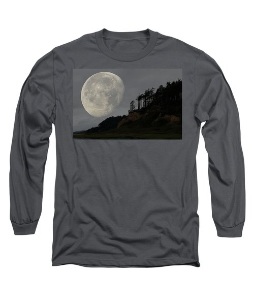 Moon At Roosevelt Beach Wa Long Sleeve T-Shirt