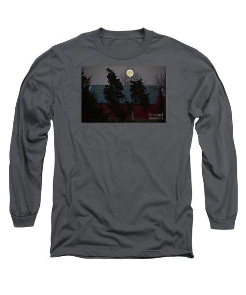 Long Sleeve T-Shirt featuring the photograph Moon Over A Kansas Barn by Mark McReynolds