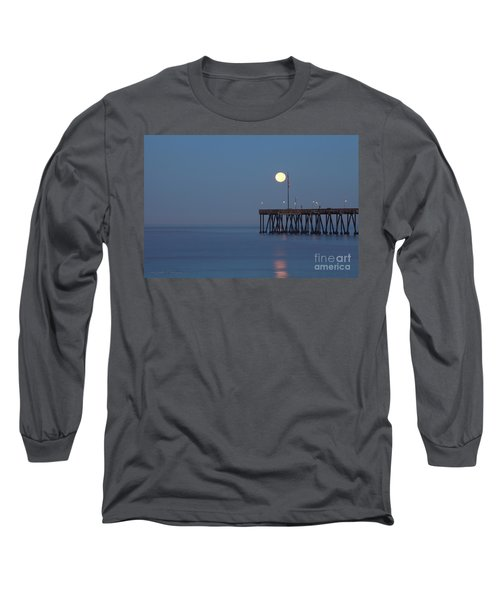 Moonset At The Ventura Pier Long Sleeve T-Shirt