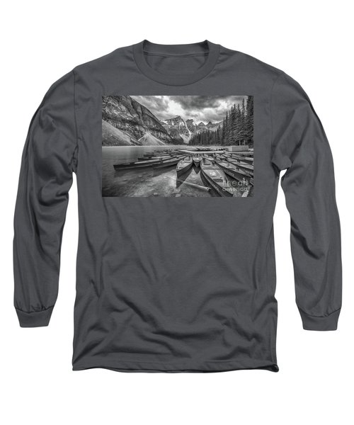 Moraine Lake In Black And White Long Sleeve T-Shirt