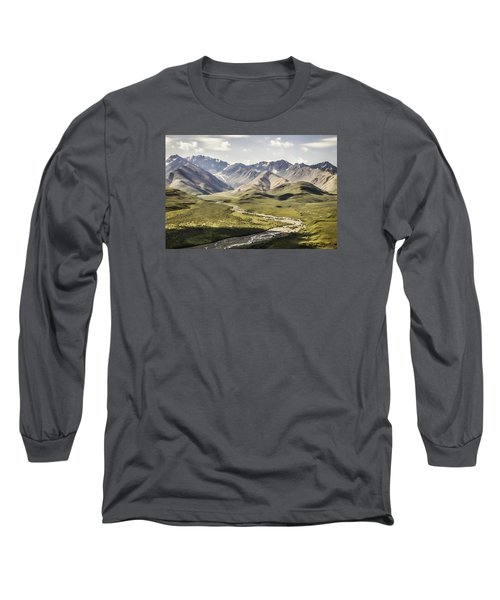 Mountains In Denali National Park Long Sleeve T-Shirt