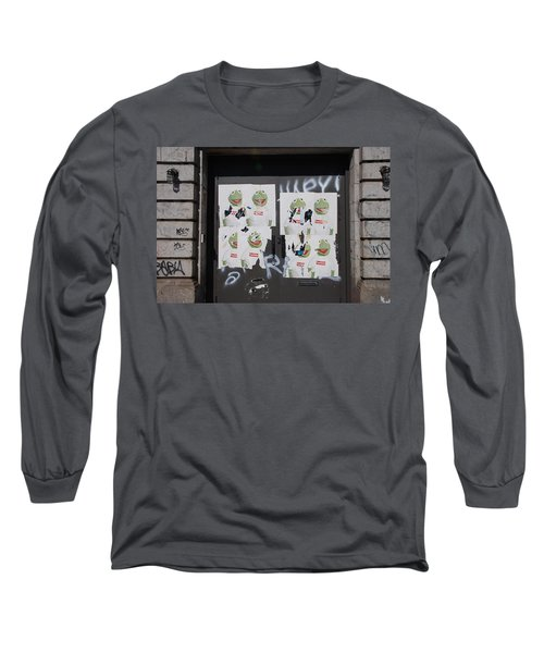 Long Sleeve T-Shirt featuring the photograph N Y C Kermit by Rob Hans