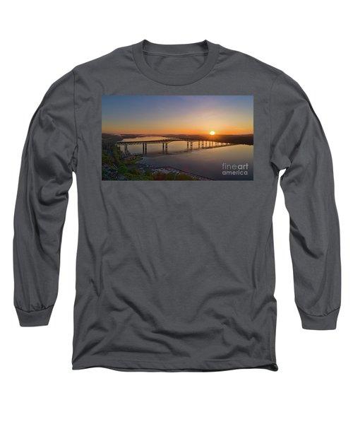 Newburgh-beacon Bridge May Sunrise Long Sleeve T-Shirt