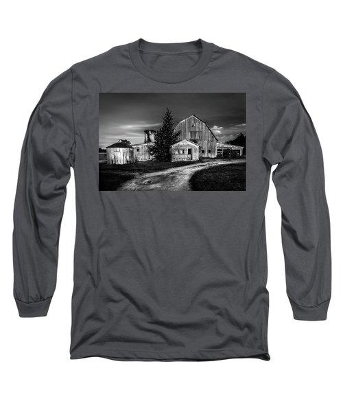 Ohio Barn At Sunrise Long Sleeve T-Shirt