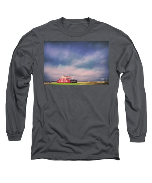 Ominous Clouds Over The Aggie Barn In Reagan, Texas Long Sleeve T-Shirt