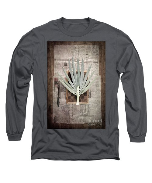 Onion Long Sleeve T-Shirt by Linda Lees