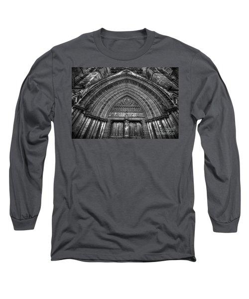 Pacis Exsisto Vobis Long Sleeve T-Shirt by Yhun Suarez
